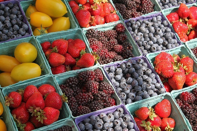 Shop local at the Noe Valley farmers' market