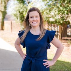 Photo of Lindsey Clarke