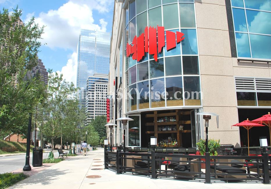 1010 Midtown Atlanta Condo Street Level Dining