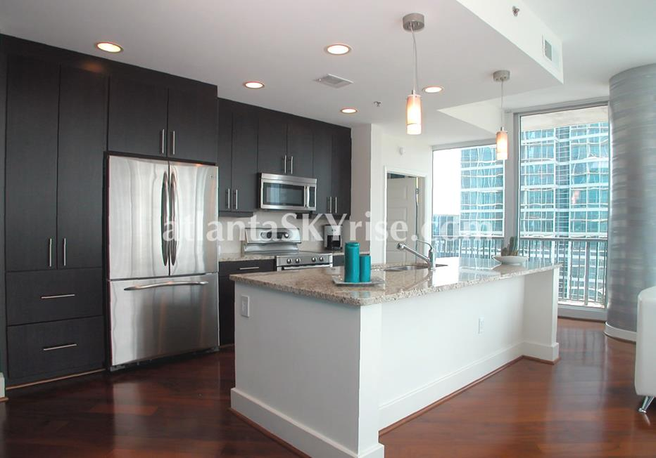 1010 Midtown Atlanta Condo Kitchen With High End Finishes