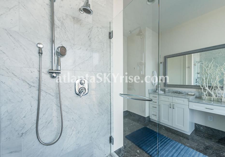1068 Midtown at Loews Condo With Luxury Bathroom