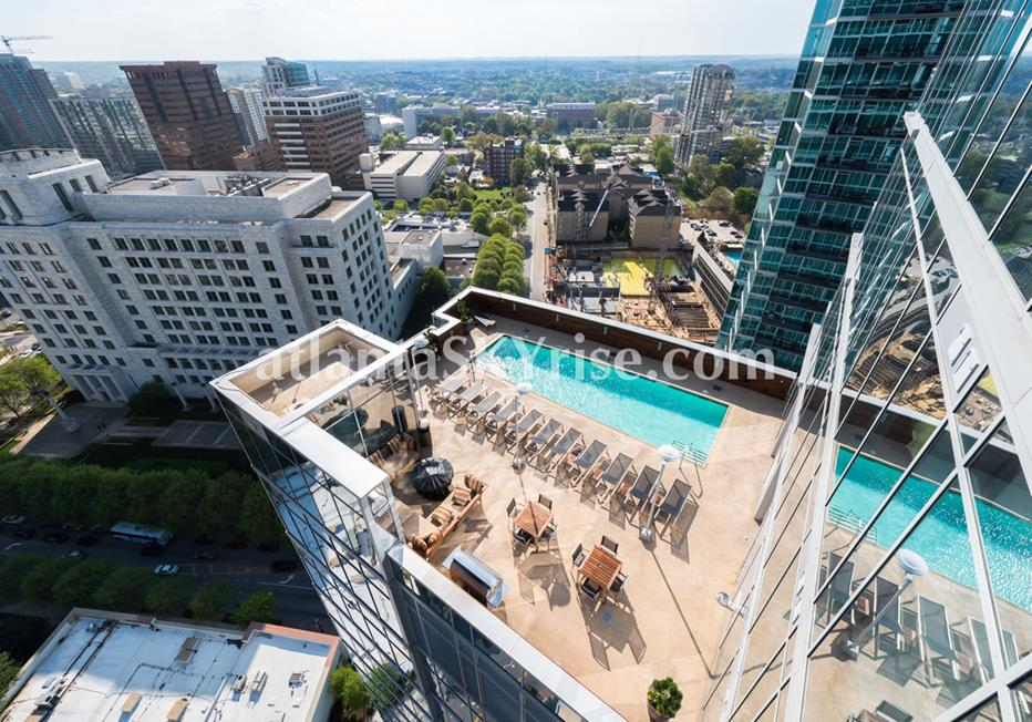 1065 Midtown at Loews Atlanta Condominium Rooftop Swimming Pool