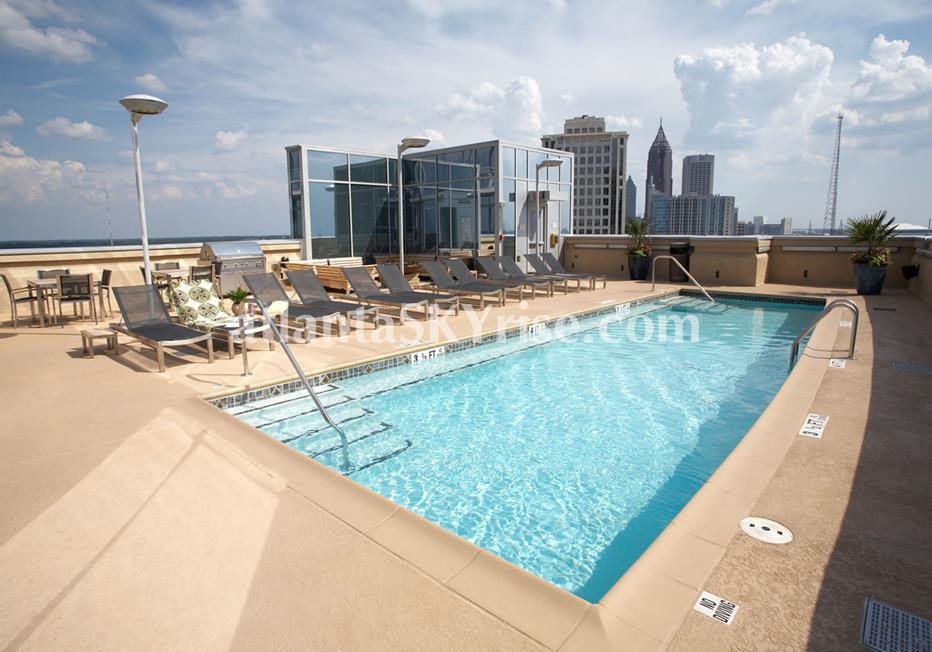 1065 Midtown at Loews Atlanta Condo Rooftop Pool