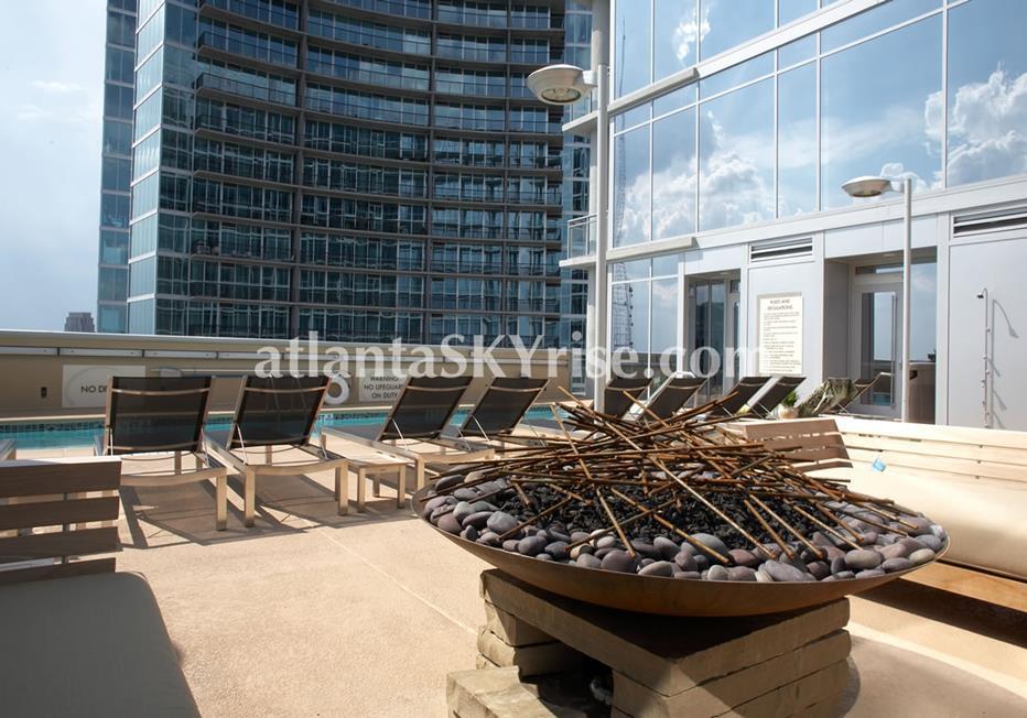 1065 Midtown at Loews Rooftop Firepit & Seating