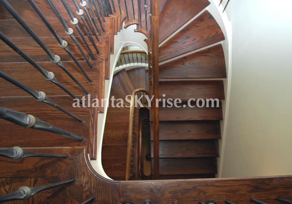 The Bellingrath Buckhead Atlanta Townhome With Dramatic Spiral Staircase
