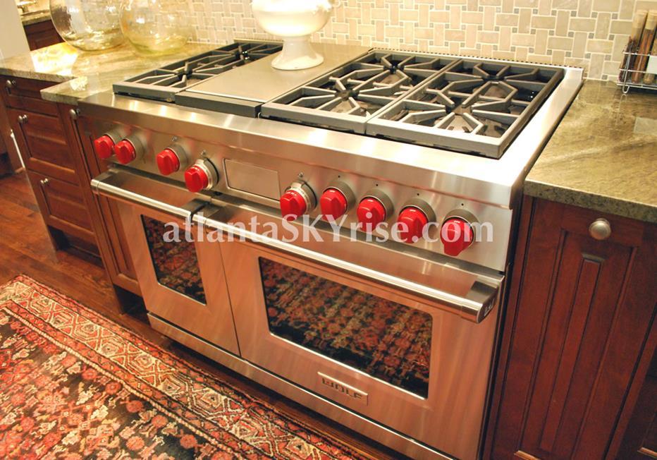 The Bellingrath Buckhead Atlanta Townhome Kitchen Range
