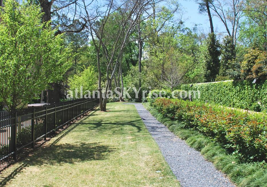 The Bellingrath Buckhead Atlanta Townhome Community Landscaping
