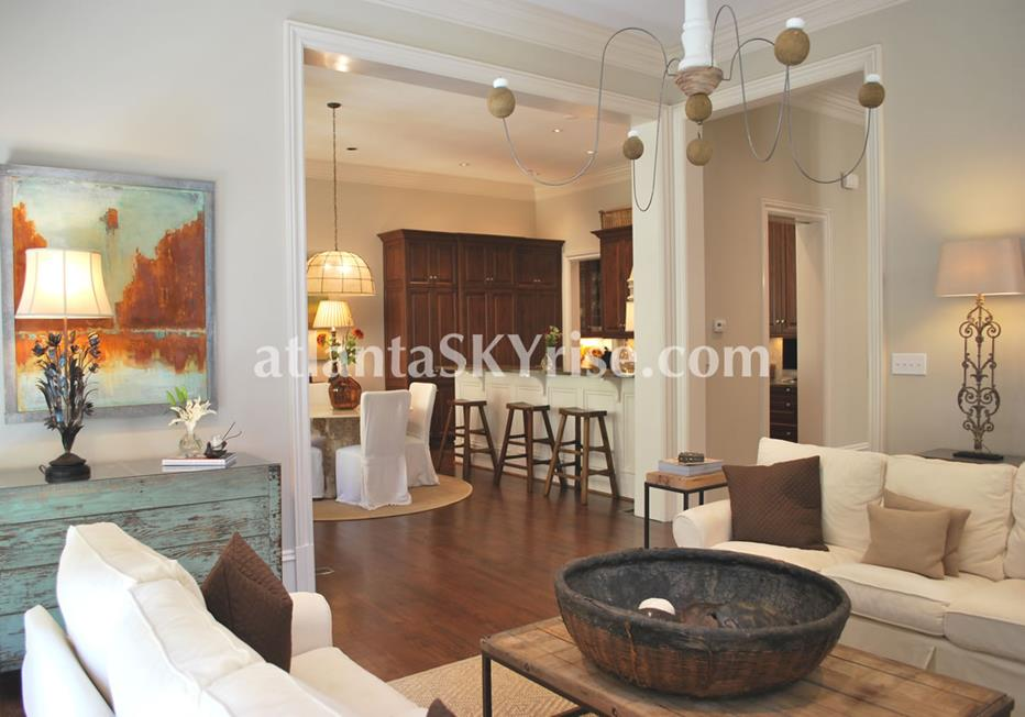 The Bellingrath Buckhead Atlanta GA Townhome With Open Living Room