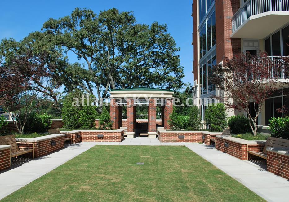The Brookwood Midtown Atlanta Beautiful Condo Community Green Space