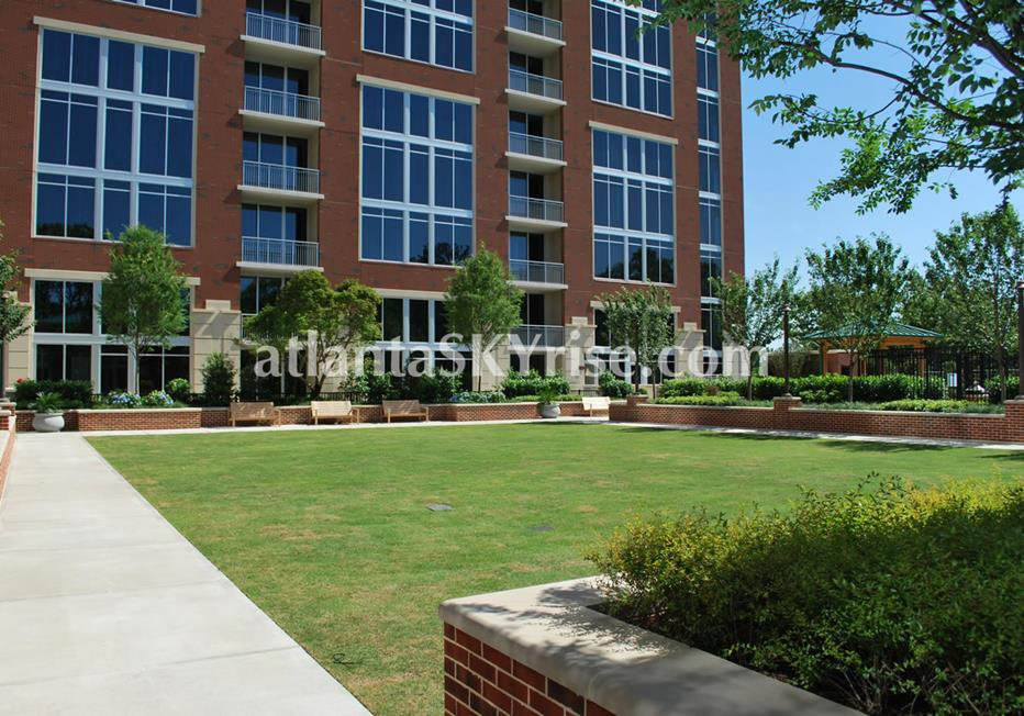 The Brookwood Midtown Atlanta Condos With Lush Green Space