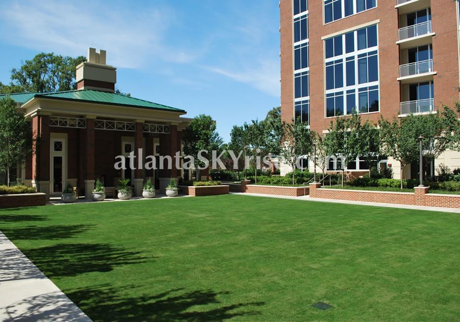 The Brookwood Midtown Atlanta Condo Lawn