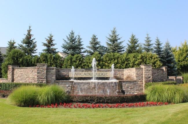 Arcadia Ridge Neighborhood Sign & Fountain in Northville