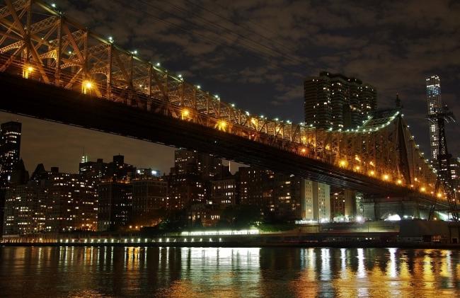 Queensboro Bridge from Roosevelt Island.