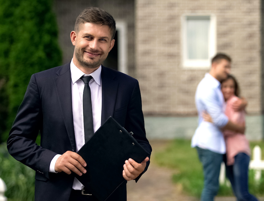 agent with happy clients