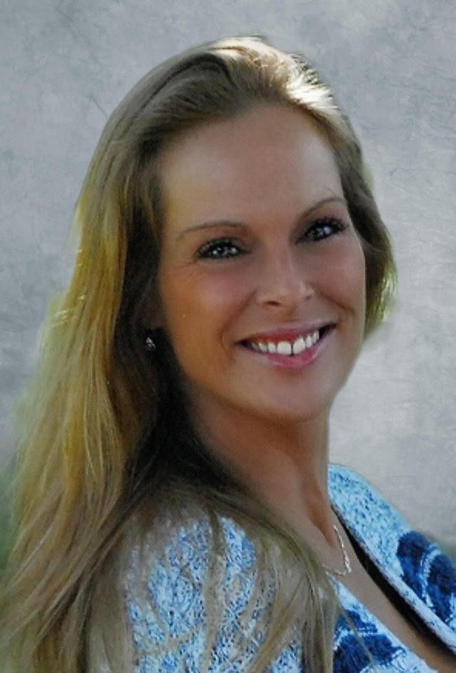 Photo of April Lynn Muldoon,