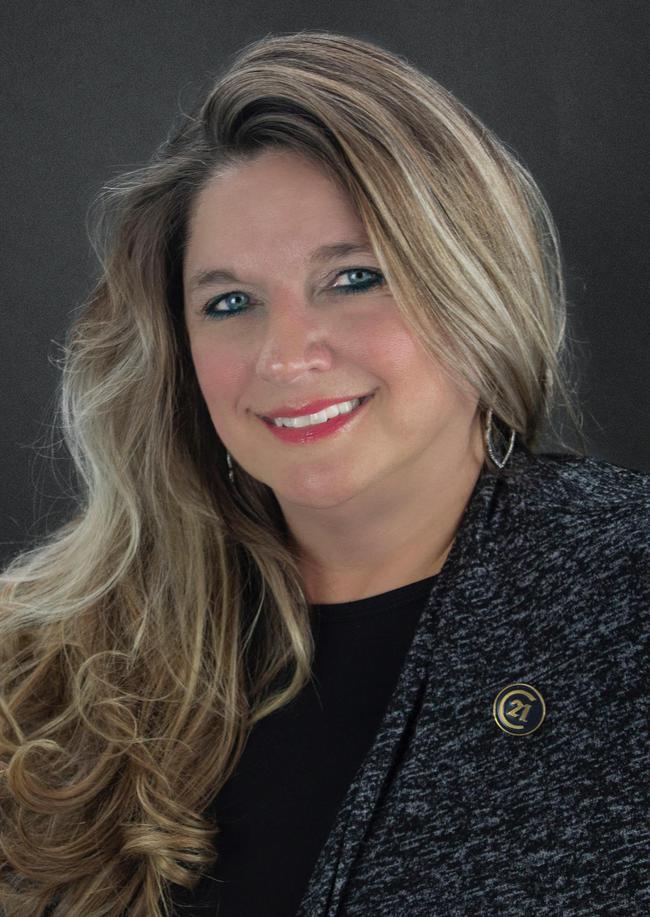Photo of Tina Hammett,