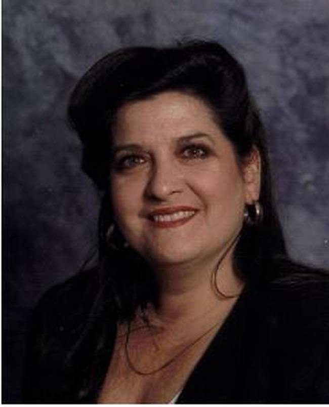 Photo of Cindy Noll,