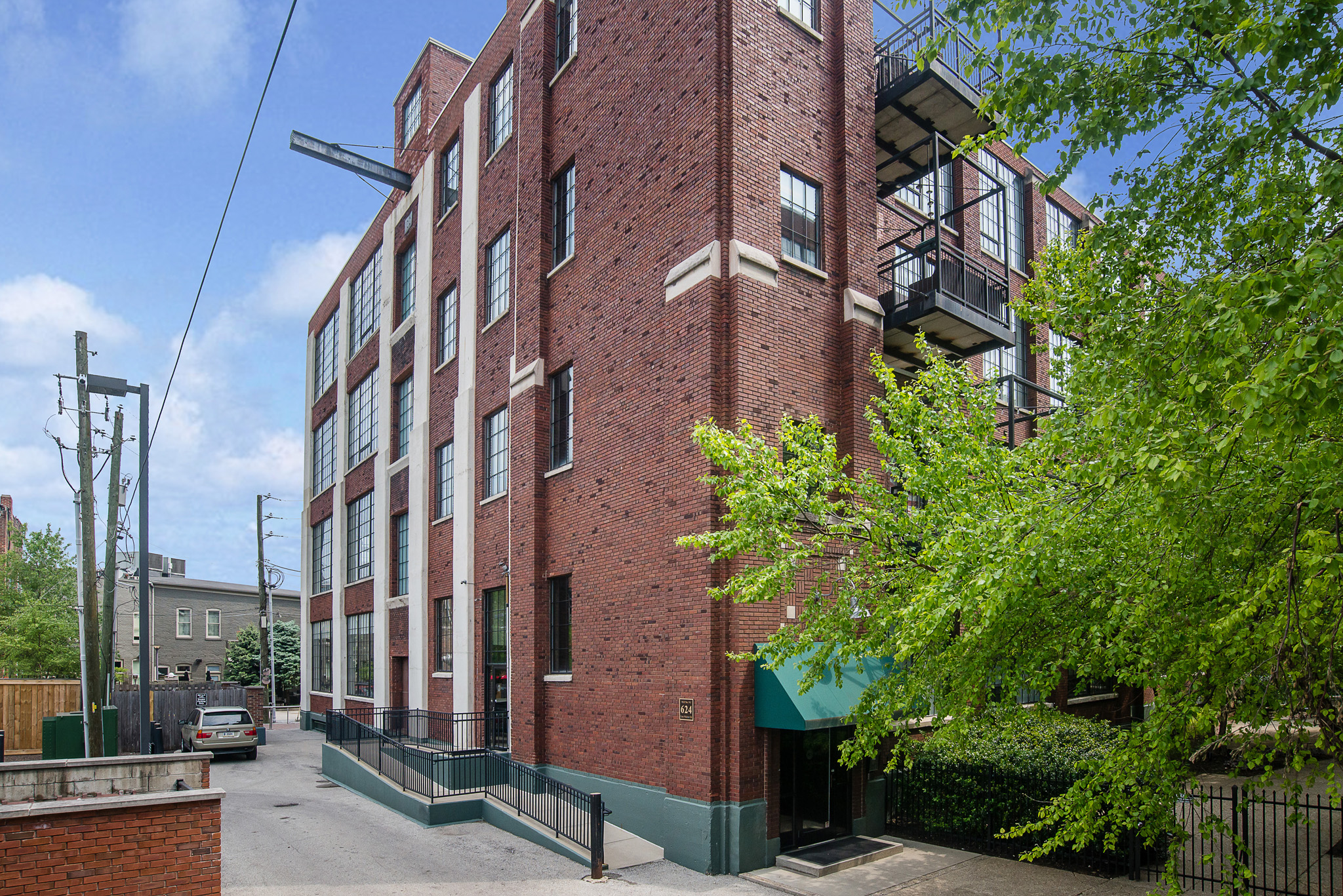 624 E Walnut Condo 46 Indpls IN 46204 Mill 9 Phase 1 - Mitch Rolsky with City Homes And Lifestyle (1 e)