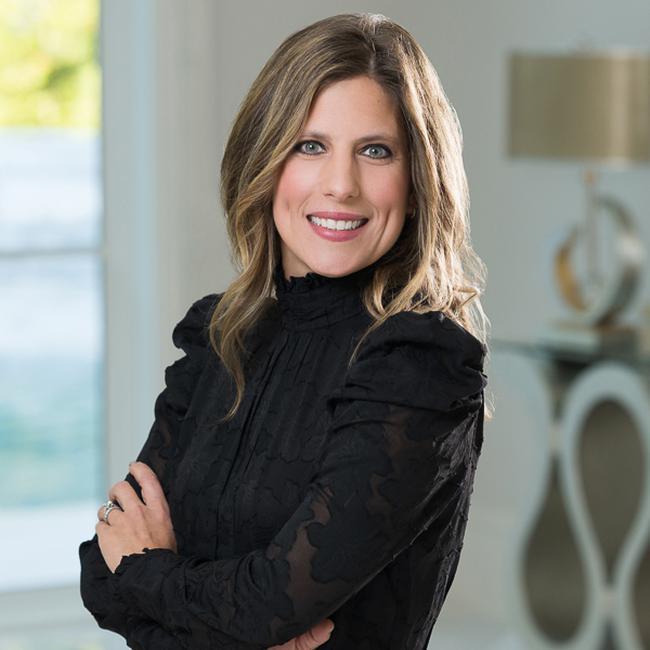 Photo of Jennifer Tugberk