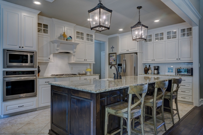 Stunning luxury awaits in the beautiful new condos of Pinnacle Point.