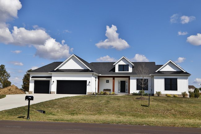 Brand-new country luxury living awaits in Greyland Estates.