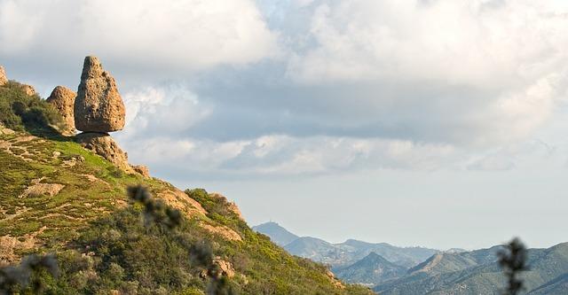 Dos Vientos has commanding views of the Santa Monica Mountains