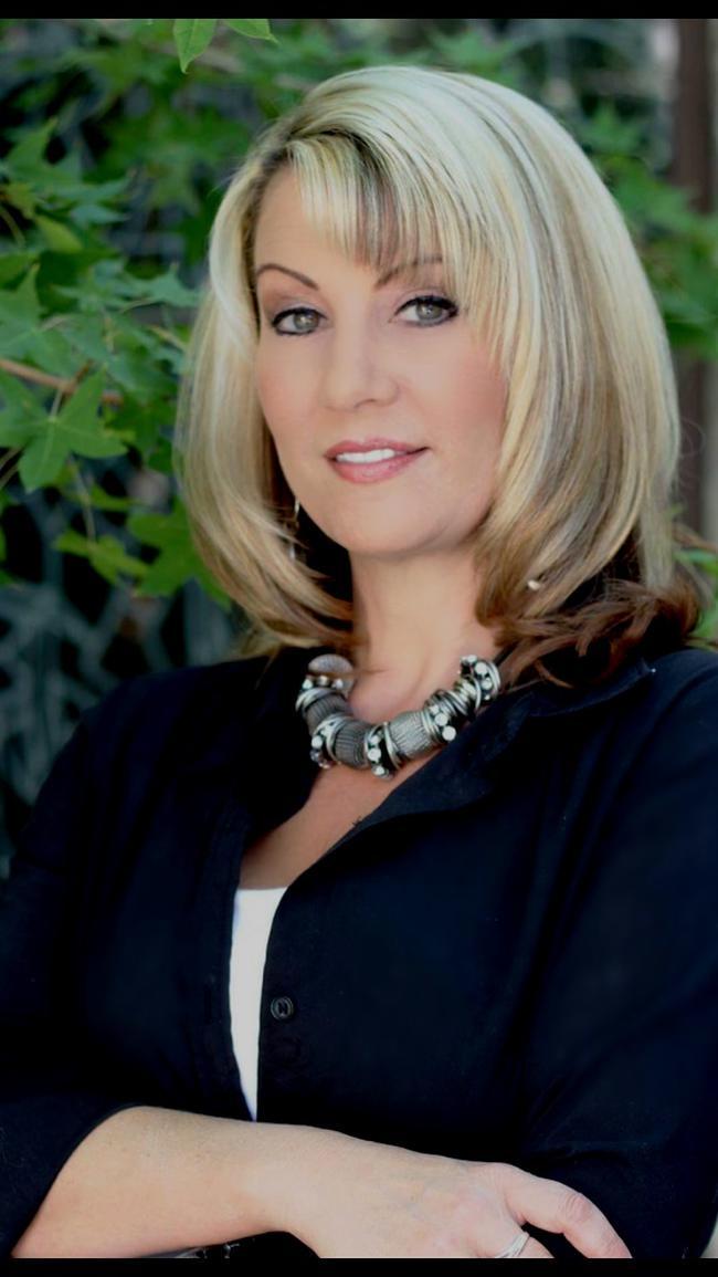 Photo of Shelly Garriott,