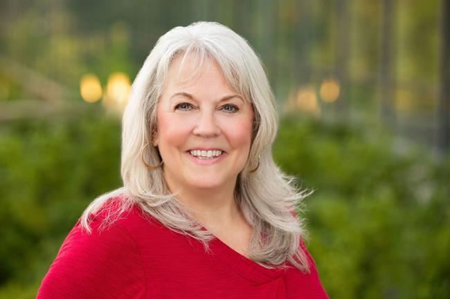 Photo of Kathy Pierce