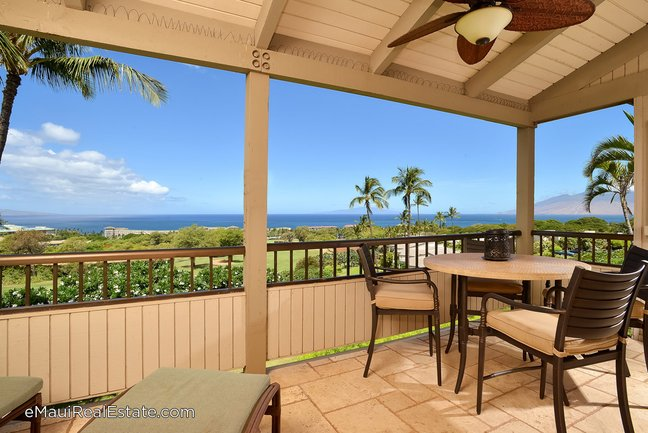 Beautiful ocean views from this second floor unit at Wailea Ekolu