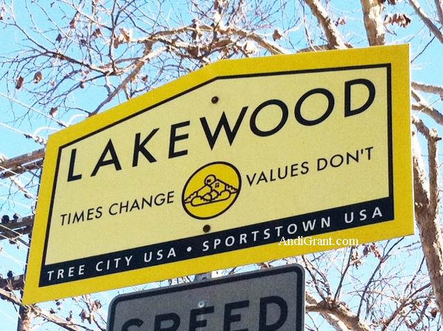 Lakewood CA sign