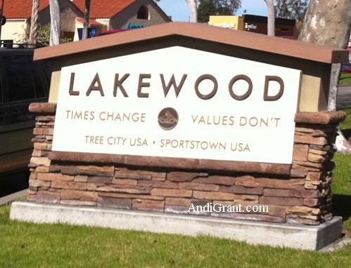 Lakewood CA sign