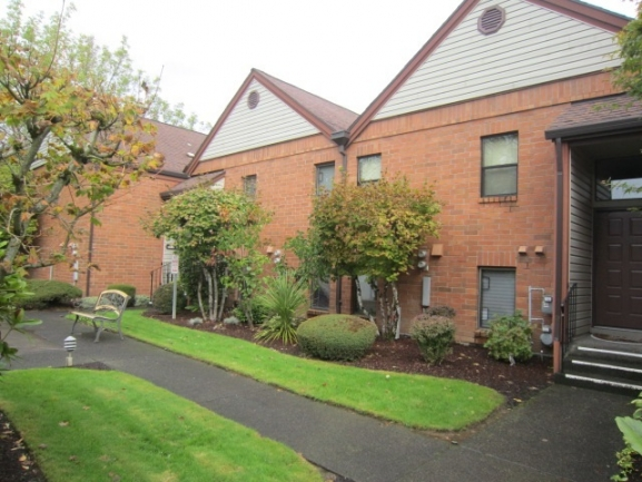 Welcome to 11992 SW Royalty Ct, Unit 8