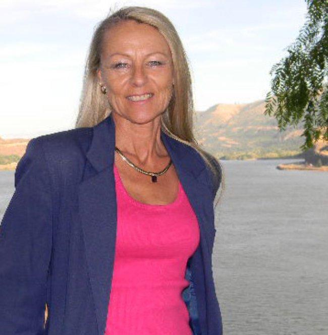 Photo of Shirley Cox,