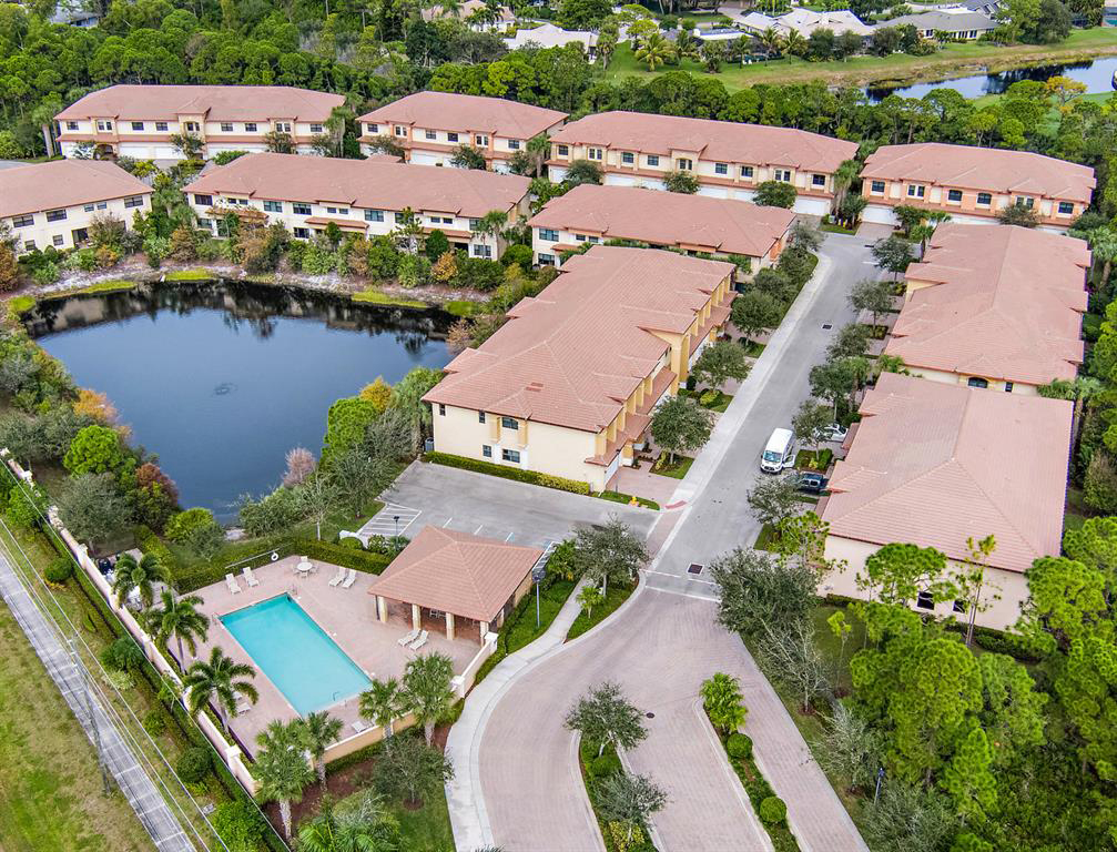 Woodmill Pond Condo-Townhomes in Stuart FL