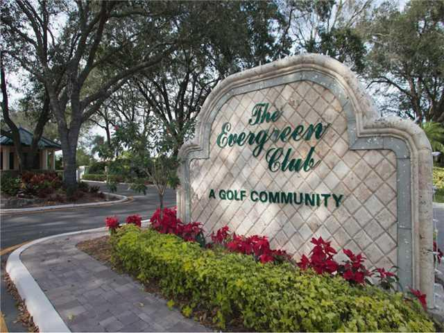 Entrance to Evergreen in Palm City