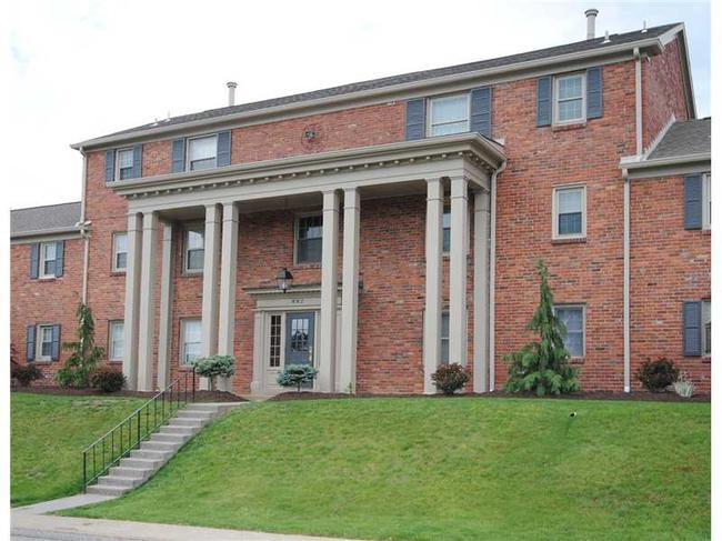 Condominiums at Jamestown