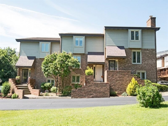 Foxwood Manor ~ Beautifully Constructed Townhouses in Pittsburgh\'s Whitehall Neighborhood