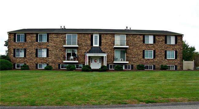 Jefferson Ridge Condominiums ~ Great One Level Living!