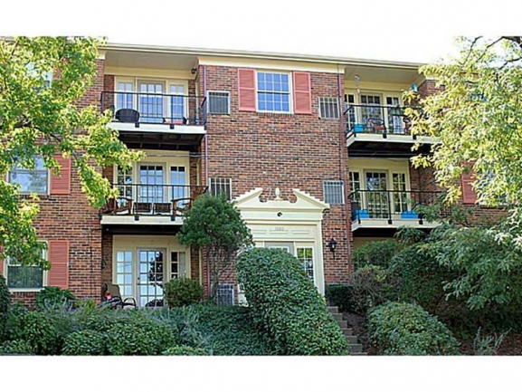 Kings Grant ~ Highly Desirable Condominium Living in Scott Township
