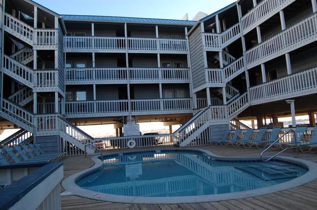 Regatta Gulf Shores AL Condo Pool