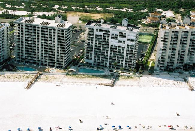 Pelican Pointe aerial view