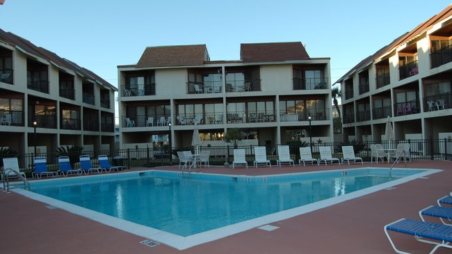Gulfside Townhomes Gulf Shores AL community Pool