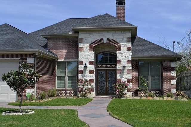 Find unique homes like this and more in Springlake.