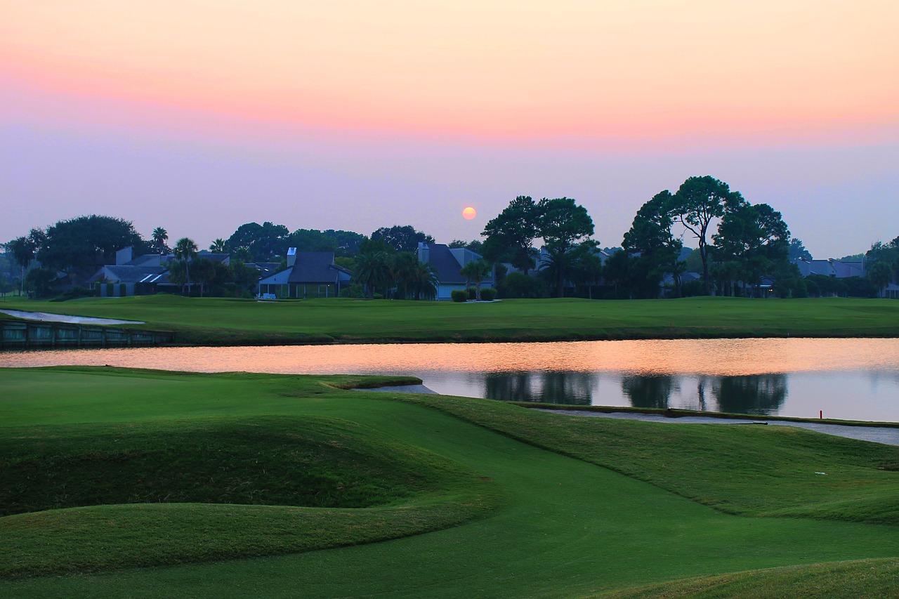 beautiful golf sunsets