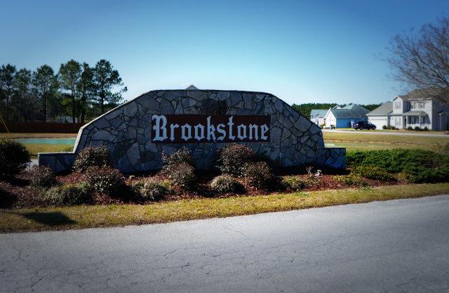 BrookstoneR