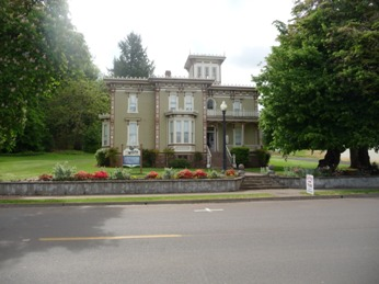 Moyer House open to public tour in Brownsville Oregon