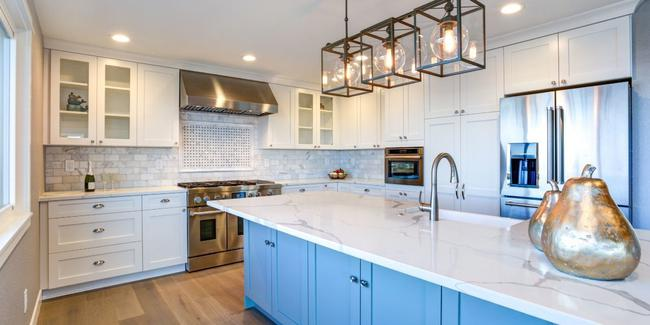 Gorgeous White Kitchen Cabinets with backsplash