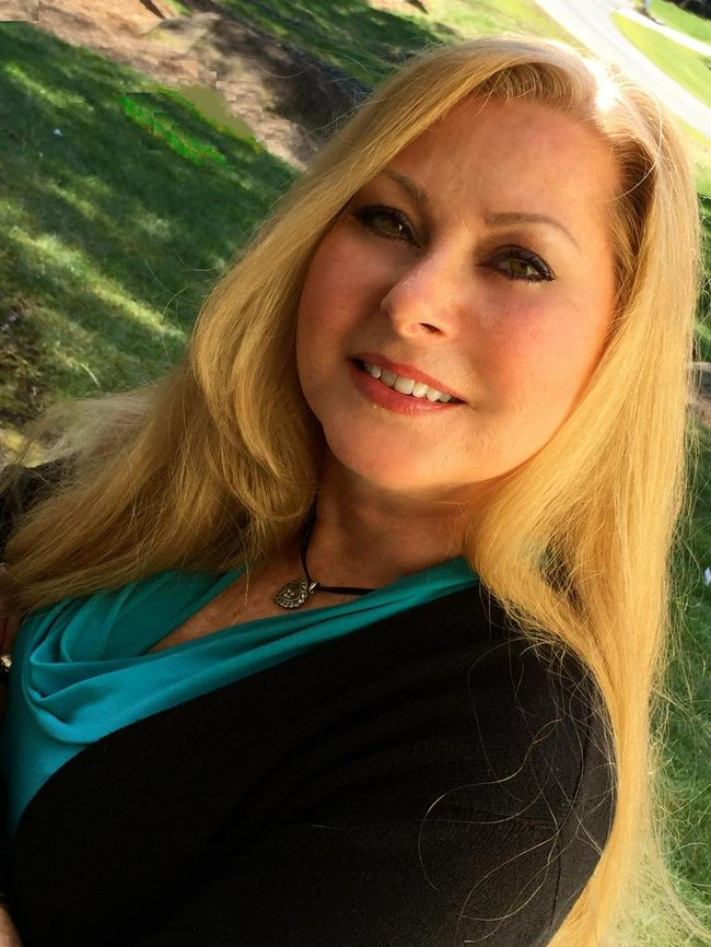 Photo of Angela Pearce,