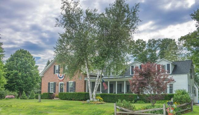 Discover beautiful homes in the lush Pennsylvania countryside of Canterwood.