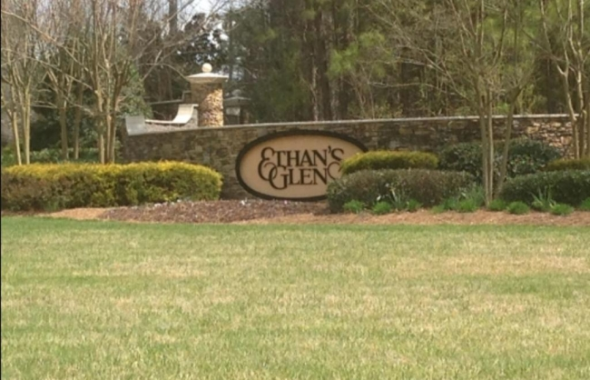 Ethans Glen Raleigh NC Entrance Sign